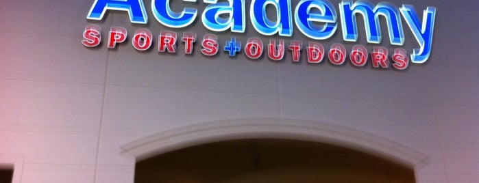 Academy Sports + Outdoors is one of Tempat yang Disukai Greg.