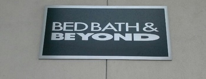 Bed Bath & Beyond is one of Tempat yang Disukai KATIE.