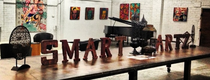 Smart Artz Gallery is one of friends & places.