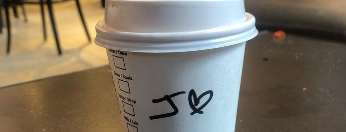 Starbucks is one of Paul'un Beğendiği Mekanlar.
