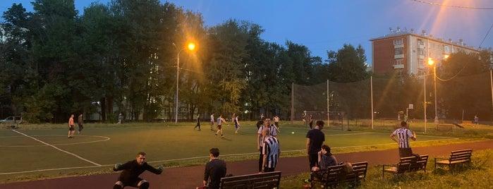 Футбольное поле is one of สถานที่ที่ Makhbuba ถูกใจ.