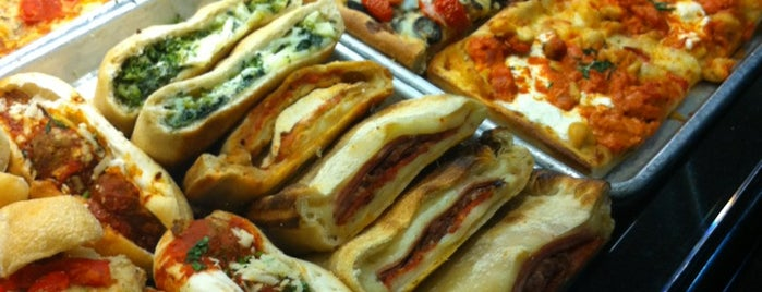 Pasta-Eria is one of Locais curtidos por Sunjay.