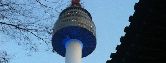ナムサン is one of Seoul.