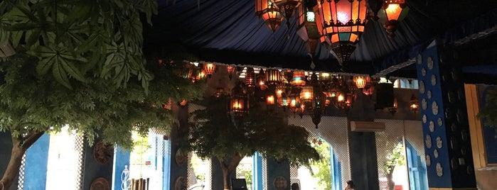 Shisha Café is one of Бали.
