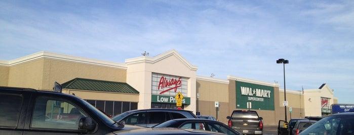 Walmart Supercenter is one of Locais curtidos por Consta.