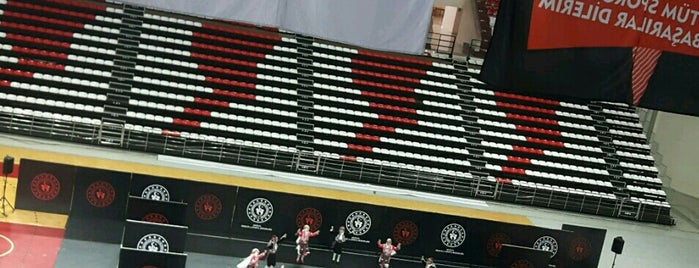 Antalya Spor Salonu is one of Locais curtidos por 🎀Zeynaaa🎀.
