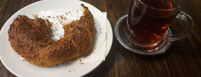 mimoza cafe is one of Lieux qui ont plu à BuRcak.