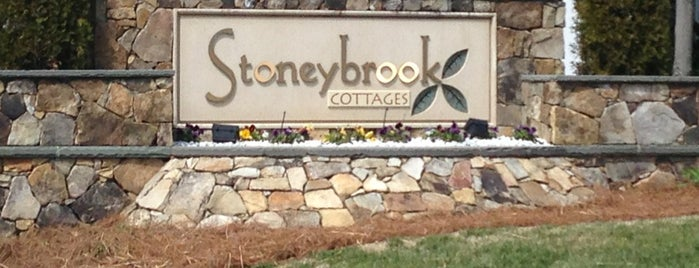 Stonybrook Cottages is one of Triangle Real Estateさんの保存済みスポット.