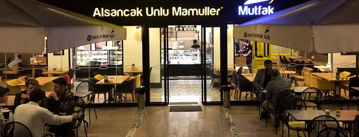 Alsancak Unlu Mamulleri is one of Ipek : понравившиеся места.