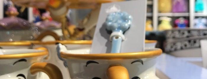 Disney Store is one of Lugares favoritos de Alberto J S.