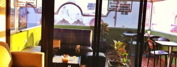 Café Con Libros is one of Tempat yang Disukai Panna.