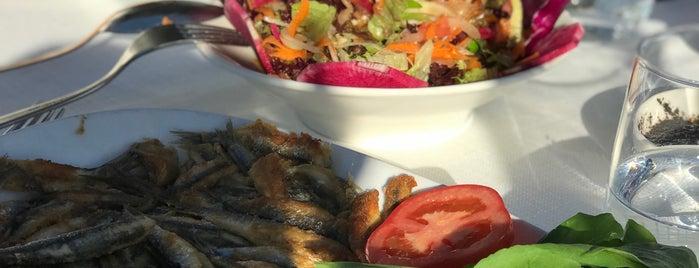 Beyaz Restaurant is one of Locais curtidos por Akif.