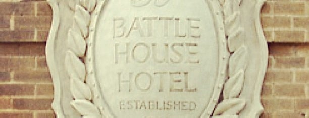 The Battle House Renaissance Mobile Hotel & Spa is one of Oldest Hotels in Every State USA.