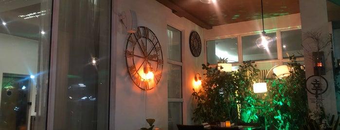 Salt Kitchen & Lounge is one of Locais curtidos por brett.