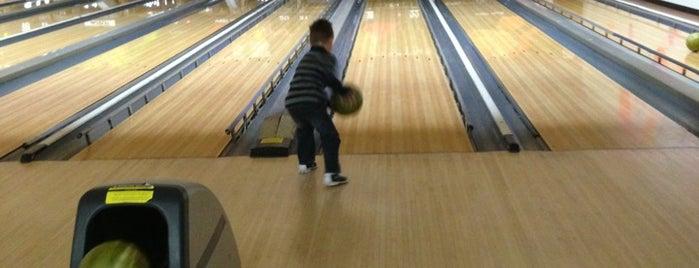 AMF Bowling is one of Lugares favoritos de Melisa.