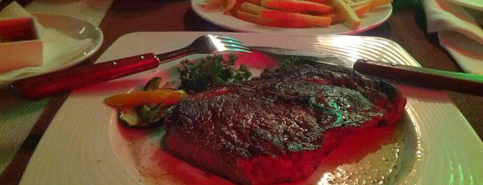 Steak House is one of Tempat yang Disukai Elizabeth.