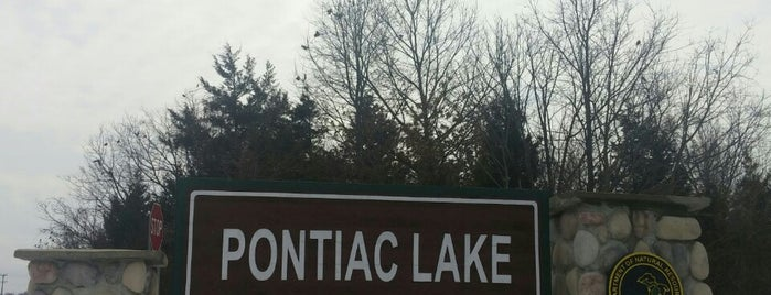Pontiac Lake State Recreation Area is one of Lugares favoritos de Cindy.