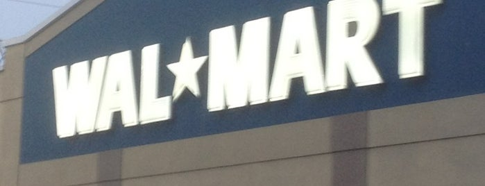 Walmart is one of Adllogan 님이 저장한 장소.