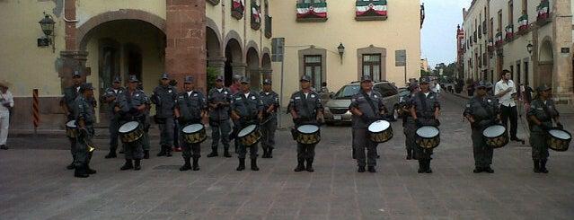 Plaza de Armas is one of QRO.
