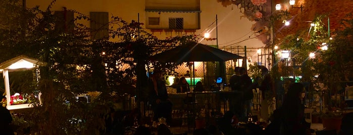Element Specialty Coffee / Diriyah Springs is one of Locais salvos de Queen.
