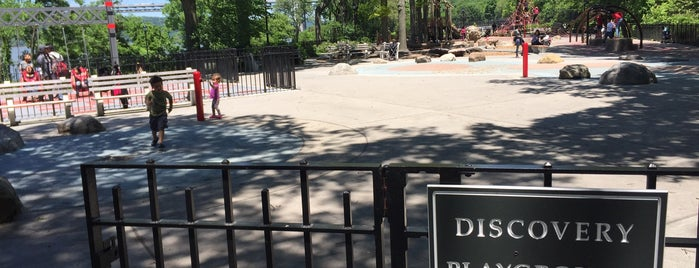 Fort Washington Park Discovery Playground is one of Tempat yang Disukai Pepper.