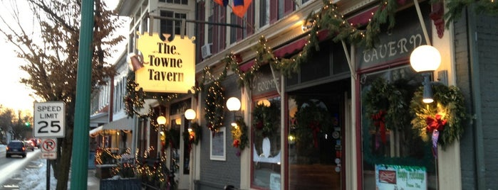 The Towne Tavern is one of Bars.