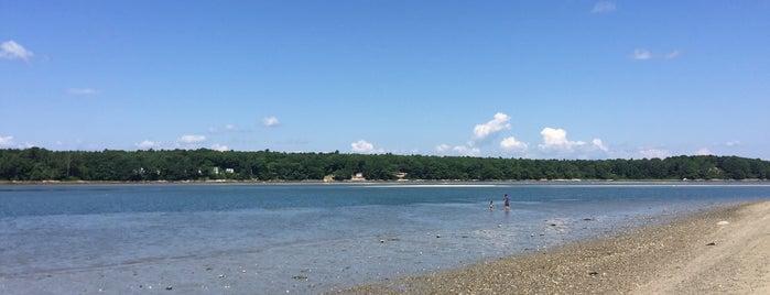 Sandy Point Beach is one of Lugares favoritos de Dana.
