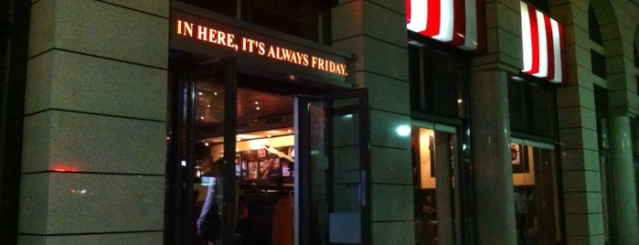 TGI Fridays is one of Locais curtidos por Vasilikw.