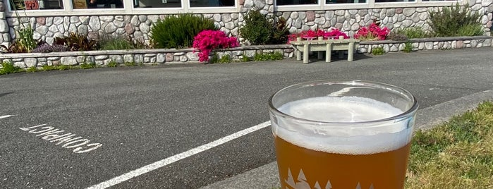 Chetco Brewing Company is one of Northwestern Breweries.