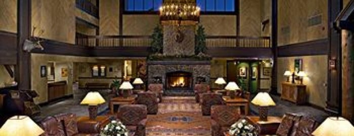 Tenaya Lodge at Yosemite is one of Tempat yang Disukai Jason.