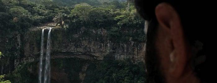 Chamarel Waterfall is one of Posti che sono piaciuti a Silvia.
