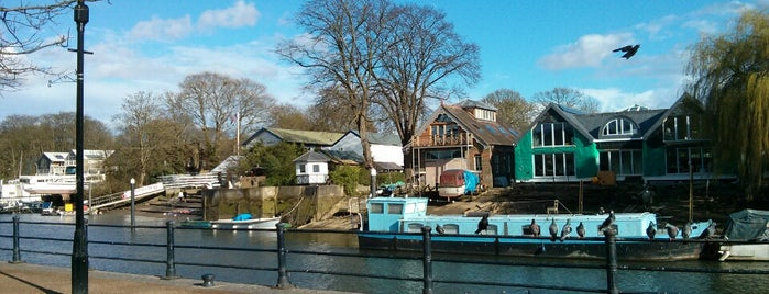 Eel Pie Island is one of Posti salvati di Lisa.
