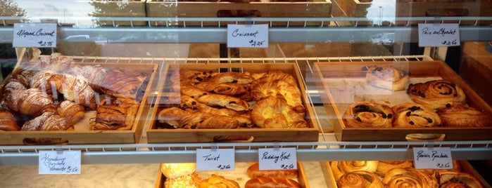 Le Petit Paris Bakery is one of back to the farm (nebraska).