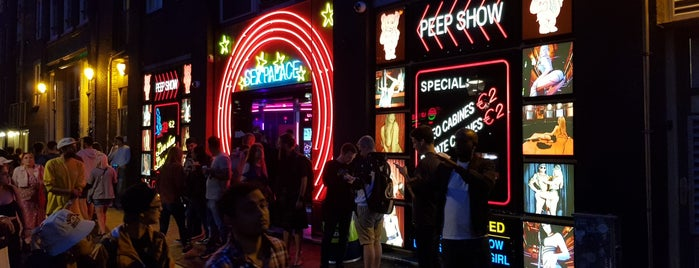 Sex Palace Peep Show is one of Posti salvati di Tati.