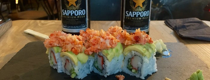 Naomi Sushi Bar is one of Posti che sono piaciuti a Asli.