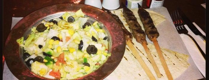 Al Fakheer Shisha Lounge is one of Gidilecek Güzel Yerler!!!.