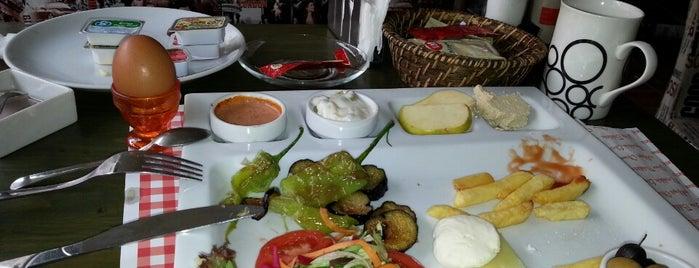 Turuncu Café is one of Mekanlarım.