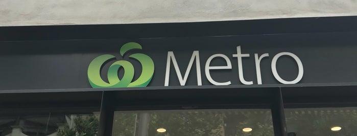 Woolworths Metro is one of Lugares favoritos de Kris.