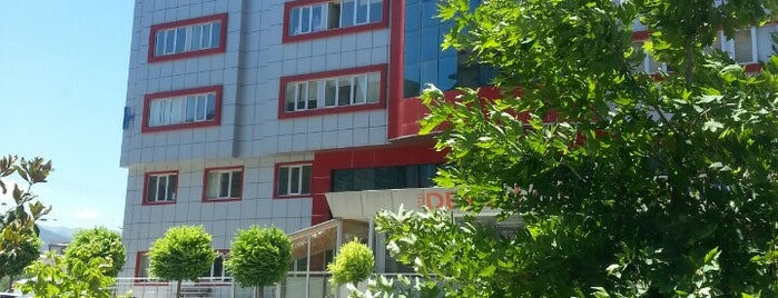 Denizli Cerrahi Hastanesi is one of สถานที่ที่บันทึกไว้ของ Özgür Yaşar.