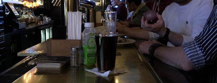 Gleason's Tavern is one of Posti che sono piaciuti a Christian.
