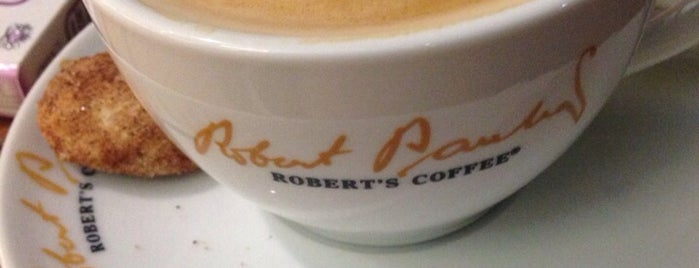 Robert's Coffee is one of Orte, die Mesut gefallen.