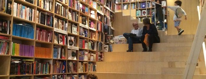 Librería Gandhi is one of Lugares p visitar en bs as.