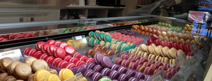 MacarOn Café is one of Sweet New York Times.