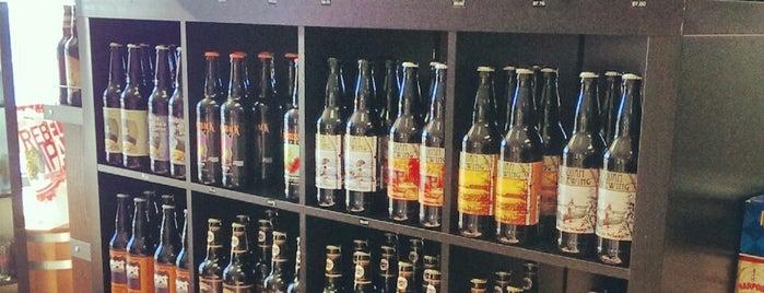 Craft Beer Cellar Portsmouth is one of Lugares favoritos de Erin.