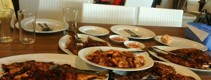 Bandar Djakarta Bekasi is one of Kuliner Bekasi.