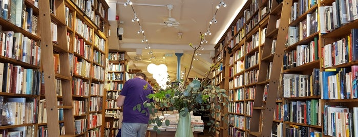 Topping & Company Booksellers is one of Bath.