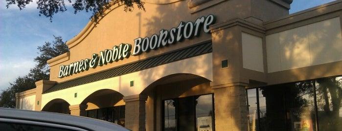 Barnes & Noble is one of Skeeter 님이 좋아한 장소.
