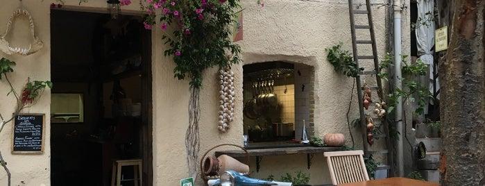 Timoleone Cafe is one of Locais curtidos por Владимир.