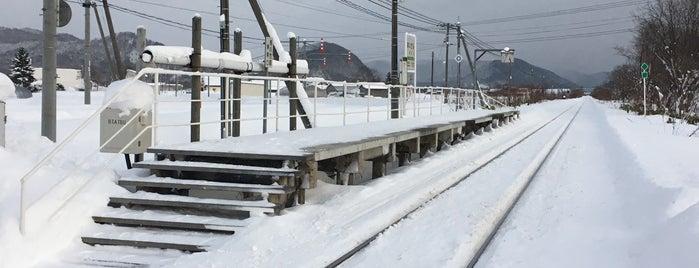 愛山駅 is one of JR 홋카이도역 (JR 北海道地方の駅).