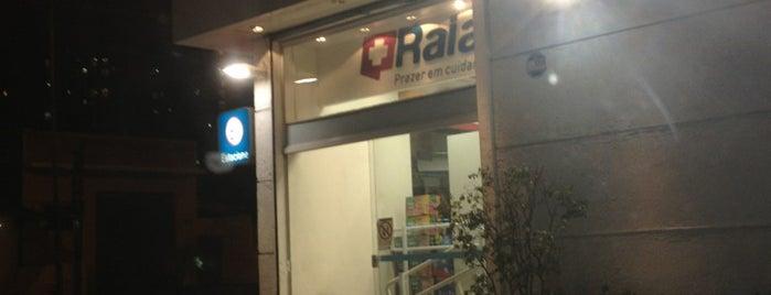 Droga Raia is one of สถานที่ที่ Carlos ถูกใจ.
